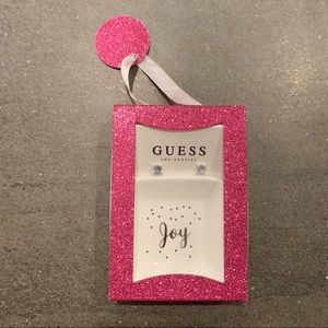 🔥 Brand new Guess cz earrings and tray
